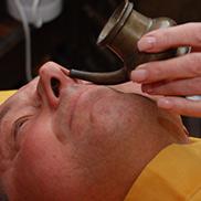 Nasya - nährende oder reinigende Nasenpflege